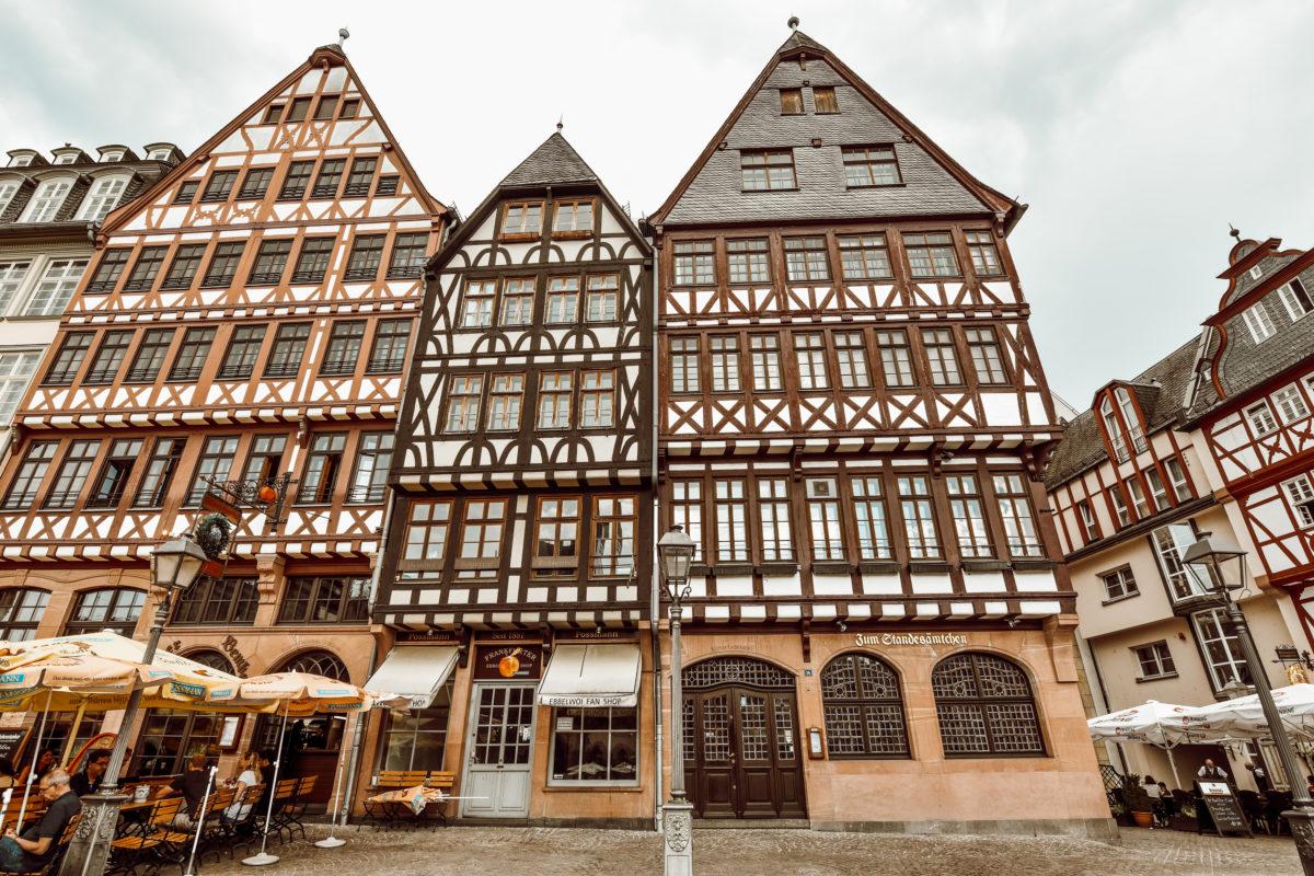 Frankfurt Roemerberg e1544795364854